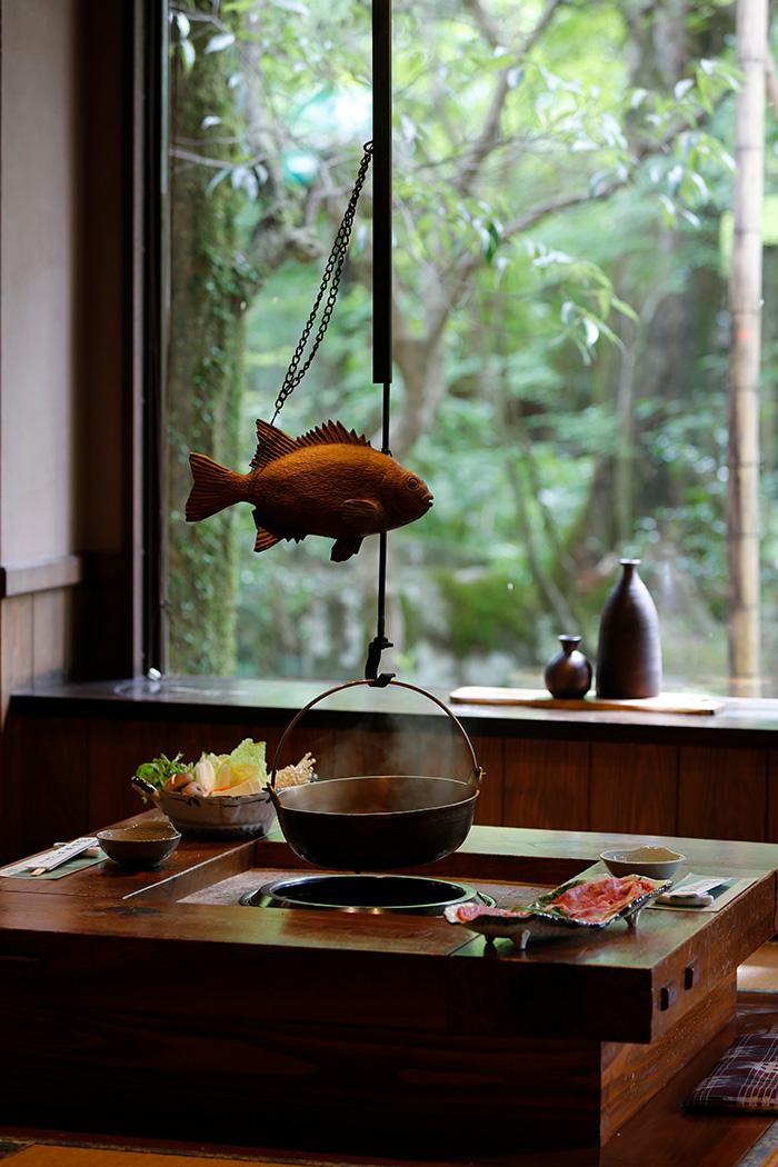 地元食材、季節の食材をふんだんに使ったお料理